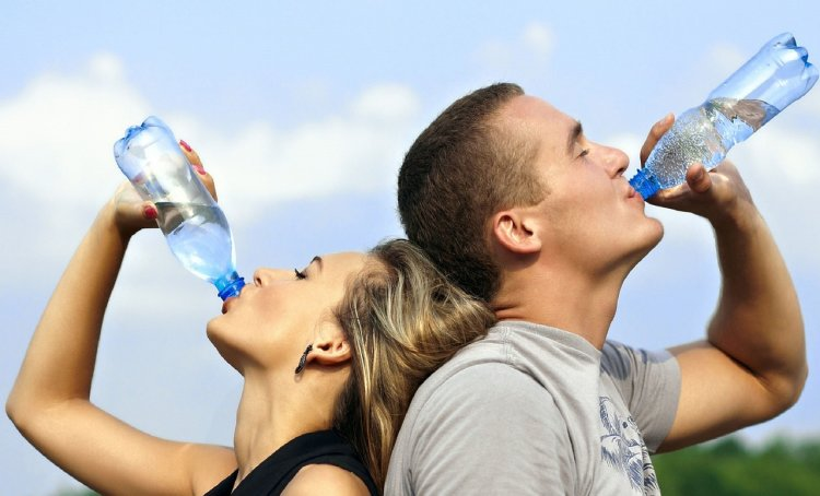 It's easy to become dehydrated during travel