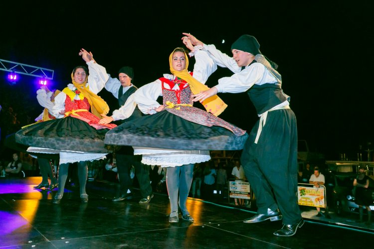 Discover the magic of folk dance and traditional music