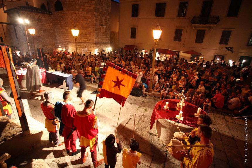 Besuchen Sie das Volksfest von Krk