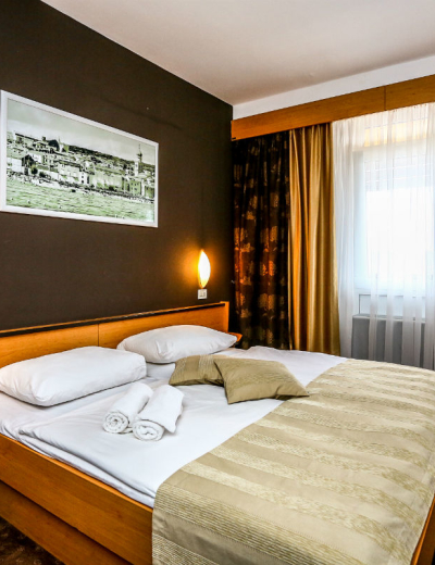 Elegant bedroom in Dražica hotel in Krk