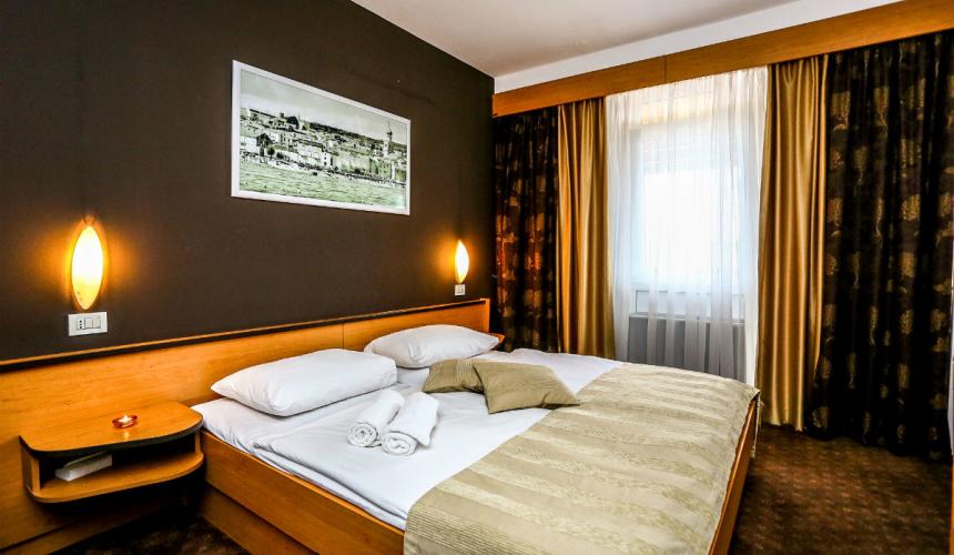 Elegant bedroom in Dražica hotel in Krk