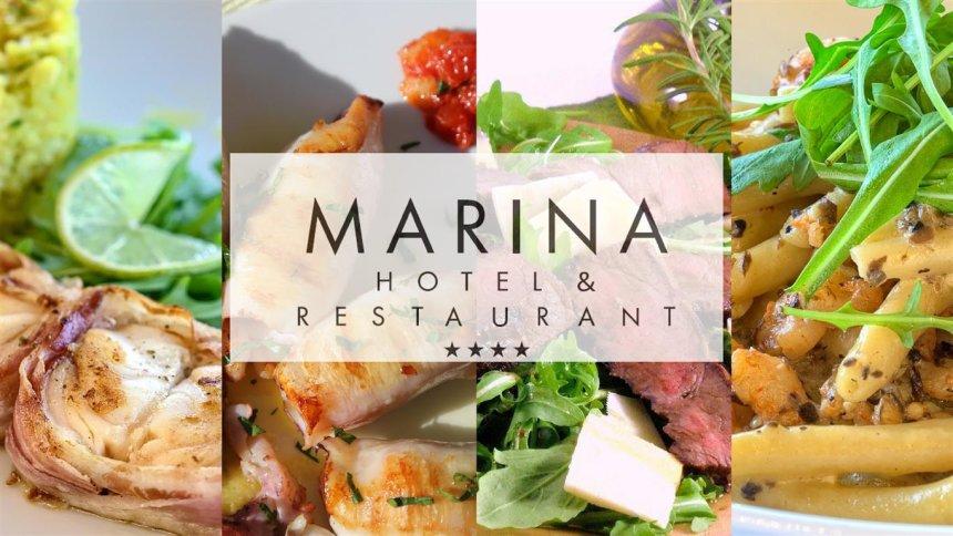 Restoran Marina nalazi se uz samo more u povijesnoj jezgri grada Krka