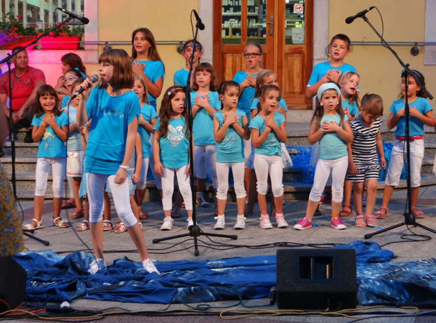Mići boduli kids choir performing in Krk