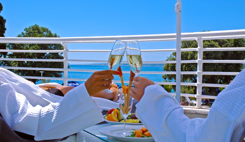 Toast to a great holiday at Valomet VIP Lounge Zone in Krk